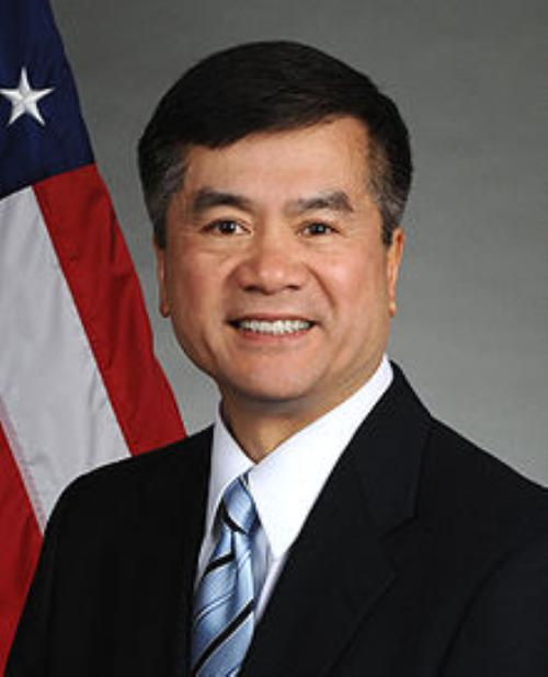 Gary Locke - First Chinese-American Governor